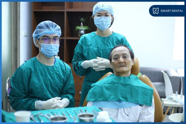 Chú Nguyễn Trung Kiên - Cấy ghép implant nguyên hàm All-on-4 2 hàm 1