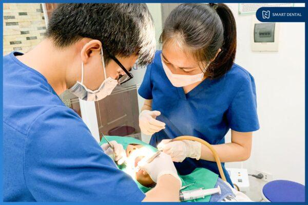 Khách hàng Lâm Bảo Nhật nhổ 2 răng khôn cùng lúc tại Nha khoa Smart 2